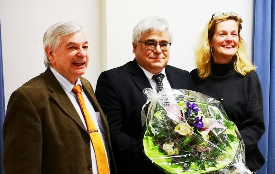 Gratulation an den frisch gewählten Bürgermeisterkandidaten Markus Sobotta (mitte) von Elisabeth Heister-Neumann (rechts) und Hans-Joachim Rehkuh (links).
