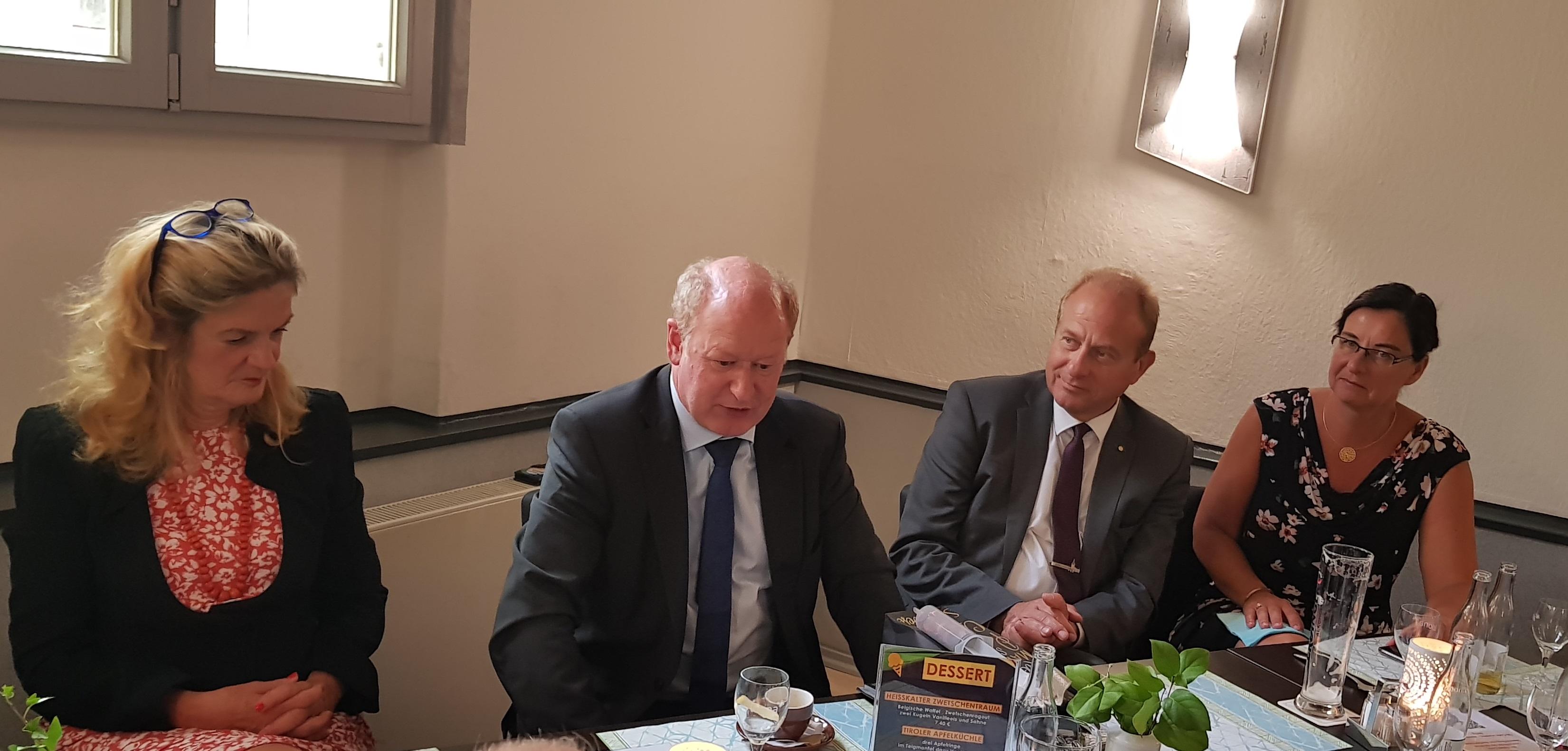 v.l.n.r.: CDU Kreisvorsitzende Elisabeth Heister-Neumann, Finanzminister Reinhold Hilbers, Landrat Gerhard Radeck, Landtagsabgeordnete Veronika Koch
